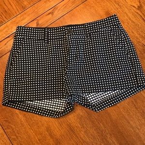 """Old Navy 3.5"""" Inseam Black/White Shorts"""
